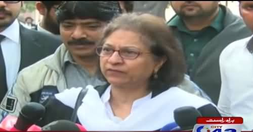 Asma Jehangir Expresses Her Views on Panama Case Outside Lahore High Court