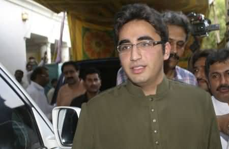 Bilawal Zardari Kept Laughing and Talking in English with the People of Thar