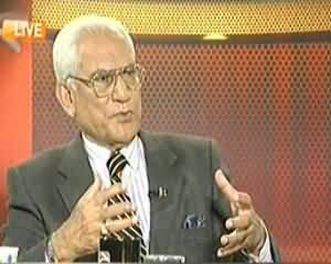 Capital Talk (Musharaf Ke Khilaf Kawai Se Fauj Ko Nuqsaan Nahi Faida Hogah?) - 18th November 2013