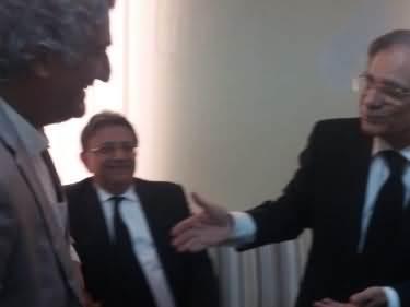 Chief Justice Saqib Nisar Hugs Matiuallah Jan, Also Meets Other Journalists
