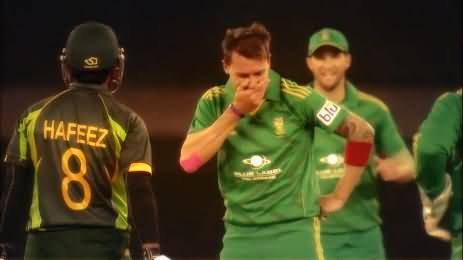 Dale Steyn Laughing at Muhammad Hafeez after taking his wicket 12th time