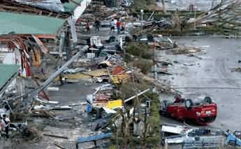 Deadly Typhoon Haiyan in Philippine: Death Toll Exceeds 10,000, Thousands Missing