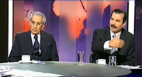 Dunya @ 8 with Malick (Agar Afia Ki Dohri Shehriyat Hai Tu Pakistan Mein Kaise Mil Gai?) – 30th October 2013