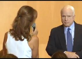 Emotional Woman Begs Senator John McCain to Avoid War in Syria and Find a Peaceful Solution