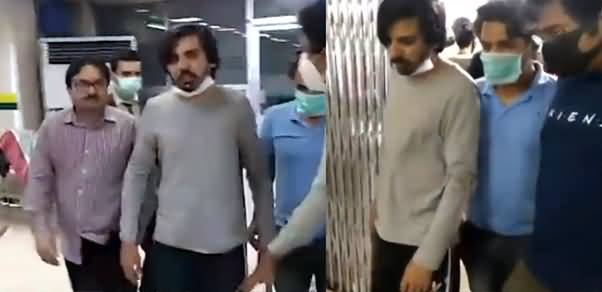 Exclusive Footage of Journalist Asad Ali Toor From Hospital After Attack