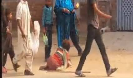Fake Beggars Openly Looting People, Govt Has No Plan to Control Them