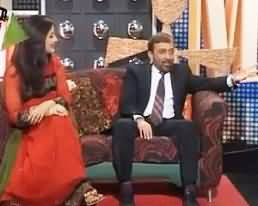 Farooq Sattar Reciting Poetry Sitting With a Girl in the Most Respectable Show