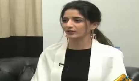 Friendly Opposition (Mawra Hocane Exclusive Interview) – 20th February 2016