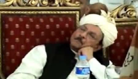 Funny Actions of CM Sindh Qaim Ali Shah in Karachi, Samaa News Hilarious Report