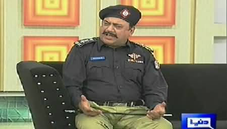 Hasb e Haal (Azizi As Police Inspector) – 16th August 2014