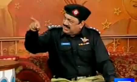 Hasb e Haal (Azizi As Police Inspector) – 19th December 2015