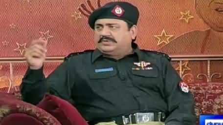 Hasb e Haal (Azizi As Police Inspector) – 4th October 2015