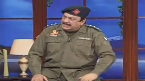 Hasb e Haal (Azizi as SHO Sadique) - 20th December 2020