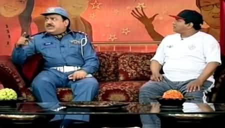 Hasb e Haal (Azizi As Traffic Warden?) – 11th April 2015