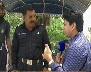 Hum Log (Ahliyan Karachi Bandoq Ki Nok Par, Hukumran Mahfooz) - 7th September 2013