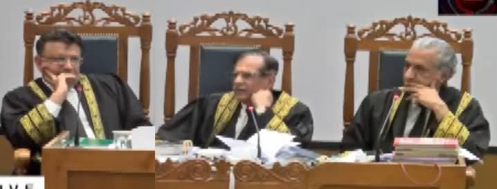 Inside Footage of Supreme Court, Conversation Between Mushahid Syed And Chief Justice