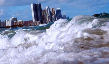 Karachi Will Sink Into Sea Till 2060 - Shocking Report By Science & Technology Committee