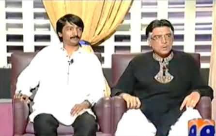Khabarnaak (Pervez Musharraf Dummy with his Servant) – 20th October 2013