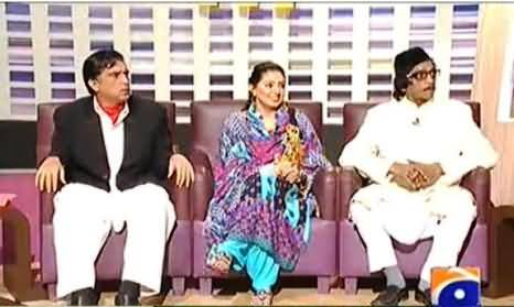 Khabarnaak (Tariq Aziz Dummy with a Poet and his wife) – 25th October 2013