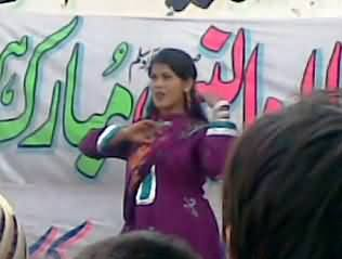 کیا یہ پاکستان ہے؟ عید میلادالنبی کا کھلے عام مذاق۔ محفل میلاد میں منی بدنام ہوئی گانے پر رقص