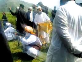 Maulana Fazal ur Rehman is a Sharp Shooter - He fired with Kalashnikov at Exact Target
