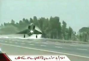 Miraj And F7 Fighter Planes of Pakistan Air Force Landing on Islamabad Motorway on 6th September 2013, the Defence Day