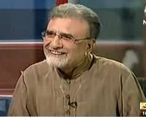 Nusrat Javed Making Fun of Nawaz Sharif in Bolta Pakistan