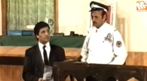 One of The Hilarious Clip of Legend Comedian Umar Sharif's Performance