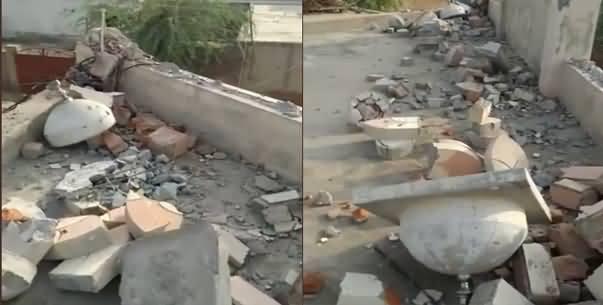 Police Demolished Minarets of An Ahmadi Mosque in Chak 84 GB, Faisalabad