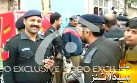Police Ki Ghunda Gardi Par Awam Ne Police Walon Ko Kamre Mein Band Kar Diya