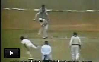 Rare Video of Cricket History - When Indian Player Srikanth Cries over LBW and Imran Khan Call him Back to Play