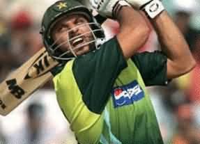 شاہد آفریدی نے پشاور امن میچ میں دھوم مچادی، 19 گیندوں پر 66 رنز