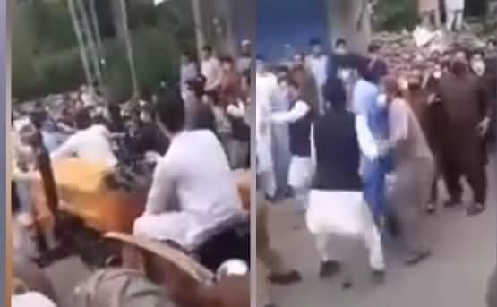 Swat Mein PTI MPA Fazal Hakim Ki Awam Ke Hathon Buri Tarah Pitai Ho Gai