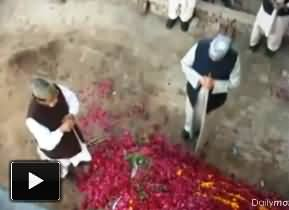 Tahir ul Qadri Talking with Dead Body and Grave - Guiding the Deadbody How to Talk with Farishtas (Angels)