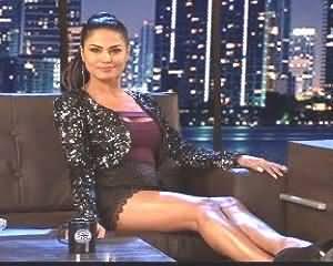 Veena Malik Vulgar Acts and Talks in an Adult Indian Show Jai Hind - Shameful Veena Malik