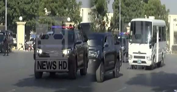 Video - VVIP Protocol Of South African Cricket Team In Pakistan