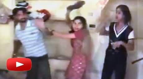 Wife Caught Her Husband Red Handed with Girl Friend on Valentine's Day and Beats Both with Shoes