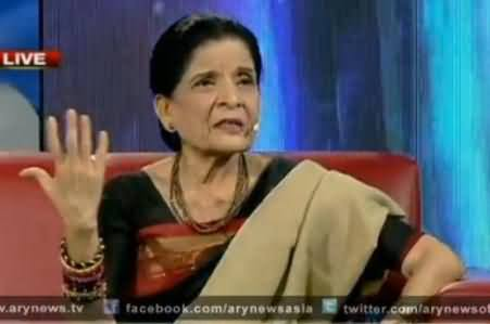 Zubaida Aapa Pointing Out the Faults in Current Days Players of Pakistani Cricket Team